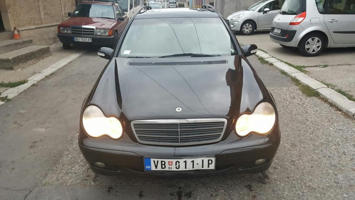 Mercedes-Benz 200 2.2 l. 2003 | 198000 km
