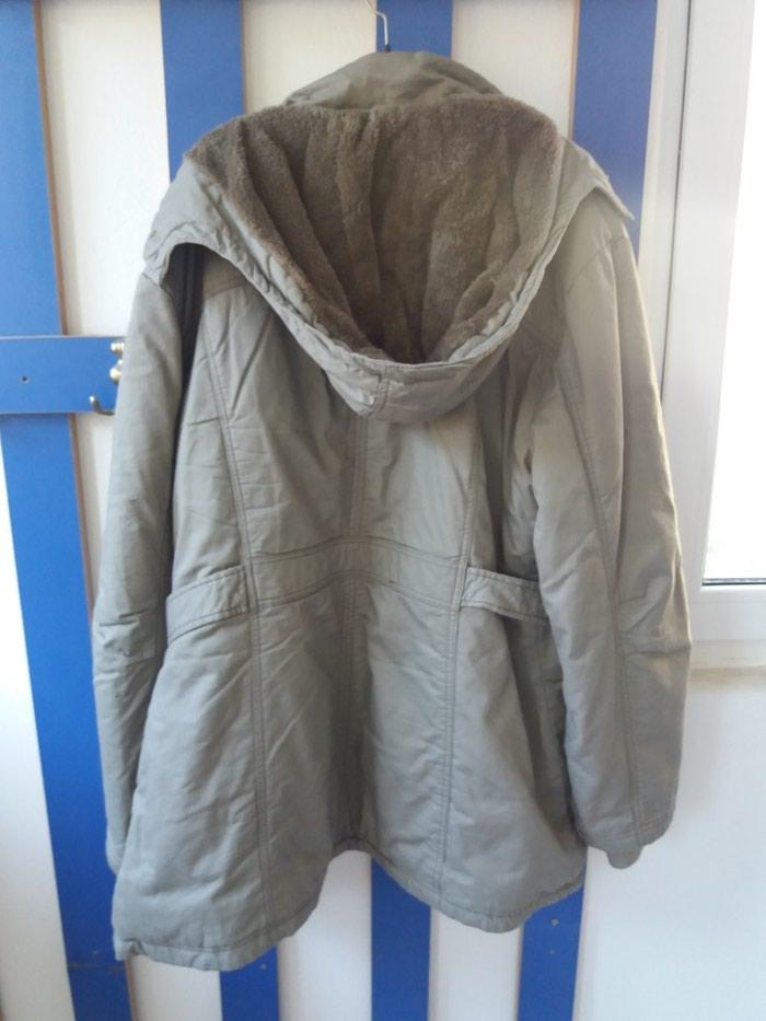 Zimska jakna 44br postavljena krznom. Photo 1