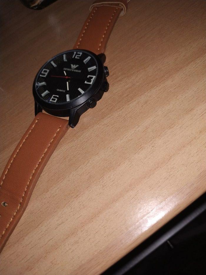 Ρολόι Emporio Armani Έχει ένα μικρό σπάσιμο γι αυτό και η τιμή!. Photo 0
