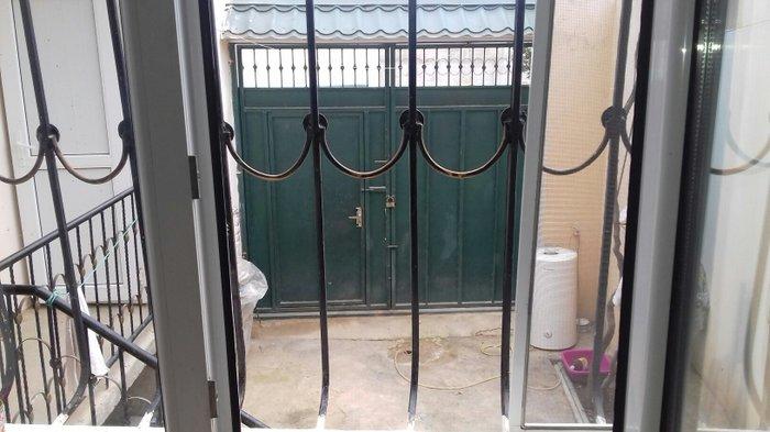 Xırdalan şəhərində Xırdalanda həyt evidir 4 otaqlıdır təmirlidir. həyəti var maşın sərbəs