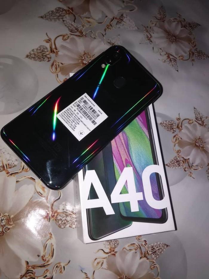 Б/у Samsung A40 64 ГБ . Photo 0