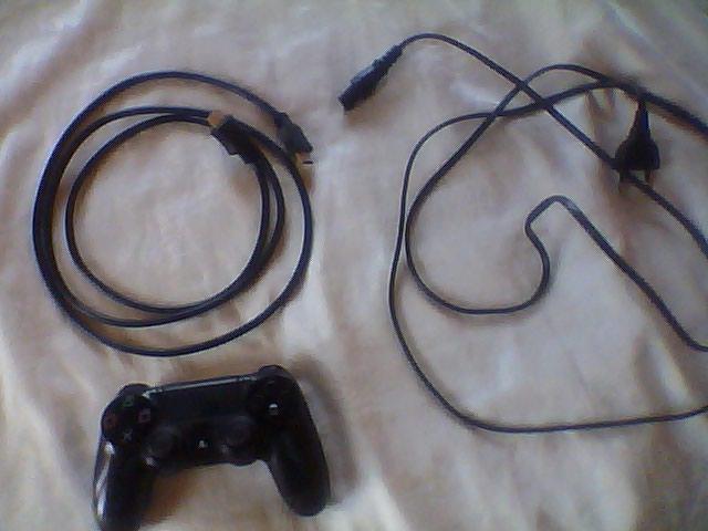 ΠΩΛΕΊΤΕ PS4 500 gb σε άριστη κατάσταση. Photo 1