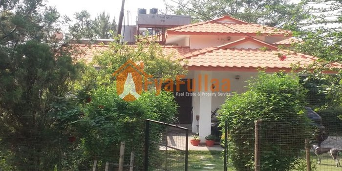 A beautiful bungalow house having land area 5-0-0-0 of 2 floors, in Kathmandu