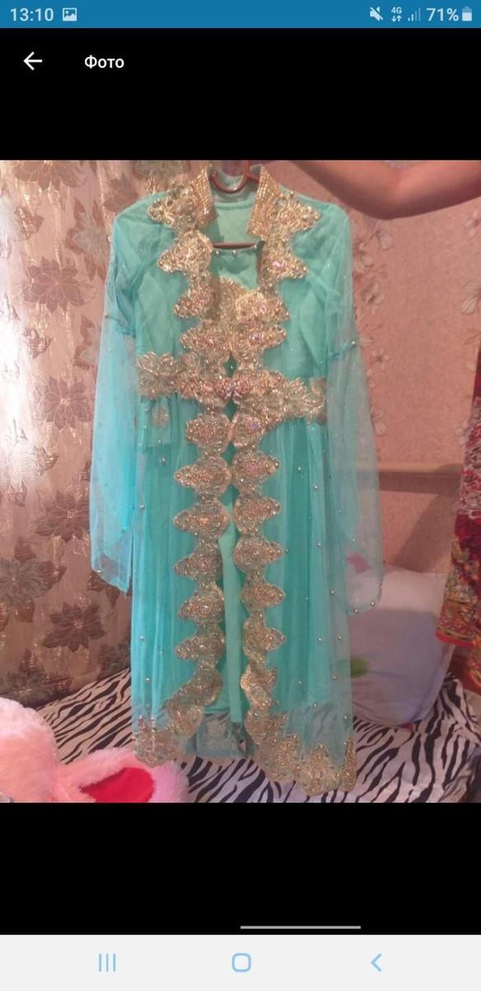 Очень красивое платье продаю срочно за (10000 )тенге. Photo 0