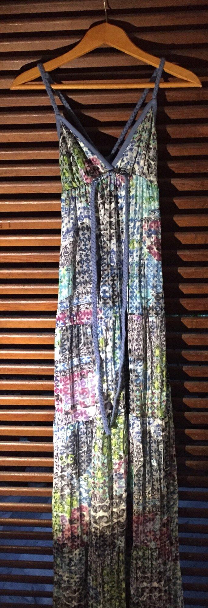 Βαμβακερό εμπριμέ boho φόρεμα με τιράντες και ανοιχτή πλάτη . Αφόρετο . Photo 0