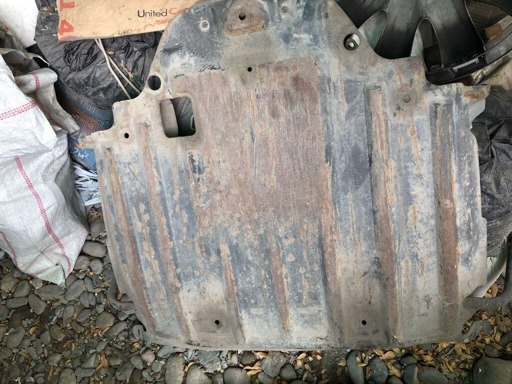 Защитка двигателя от w124 Цена: 2000 сом: Защитка двигателя от w124 Цена: 2000 сом