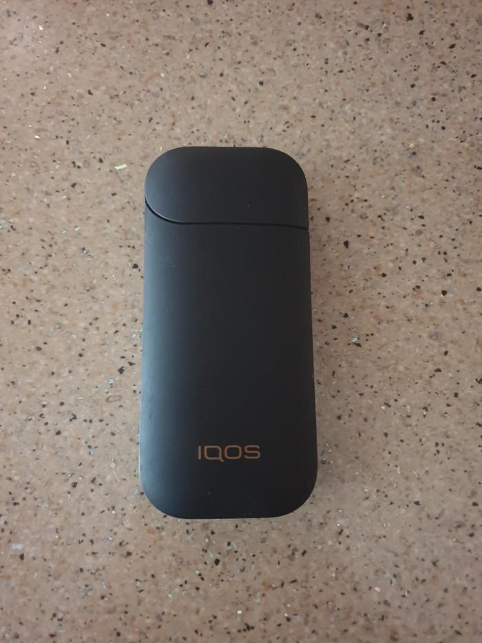 Πωλειται το ηλεκτρονικο τσιγαρο iqos, σε μαυρο αλλα και ασπρο χρωμα