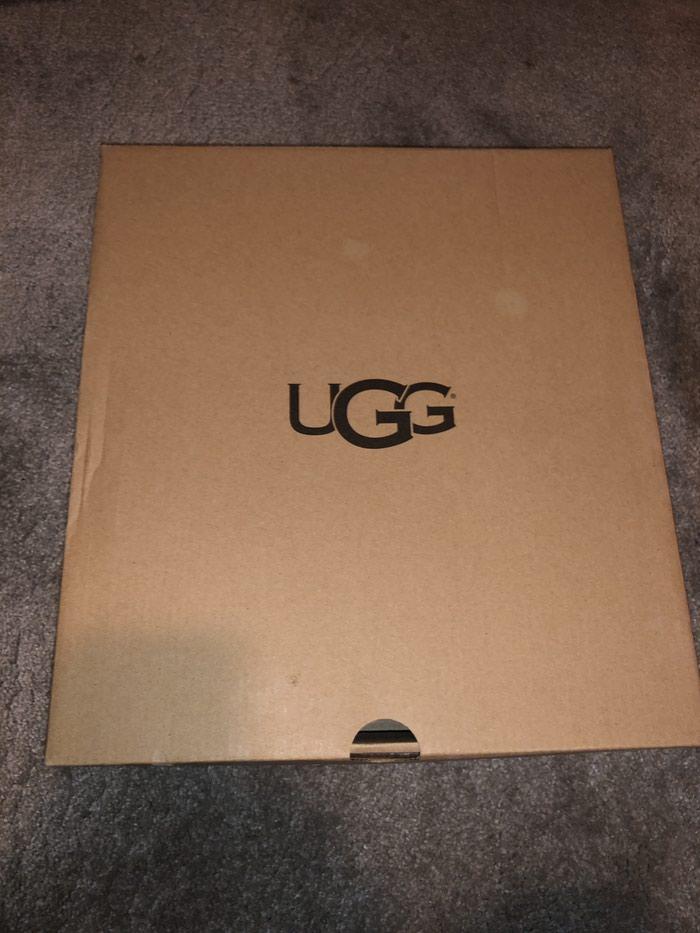 Original ugg broj 40 Dolaze sa original kutijom. Photo 0