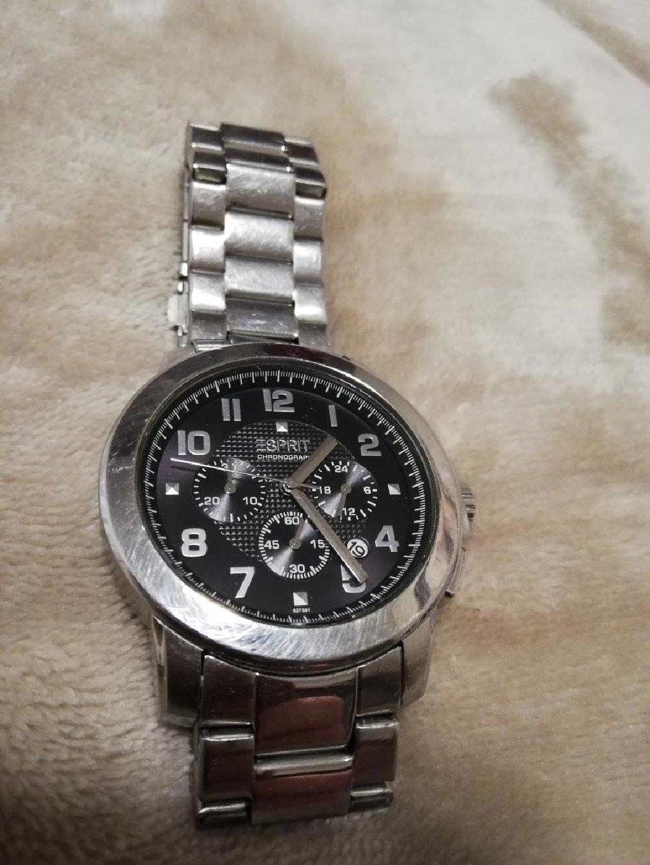 Πωλείται ανδρικό ρολόι Esprit με μπρασελέ σε άριστη κατάσταση!