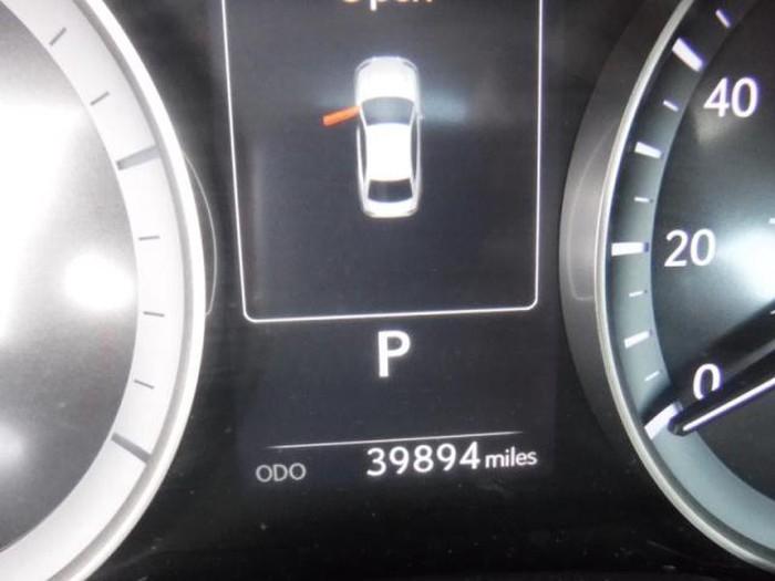 Lexus ES 2018. Photo 8