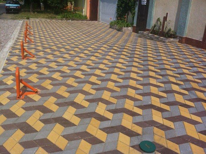 Прессований тротуарный плитка. Photo 1