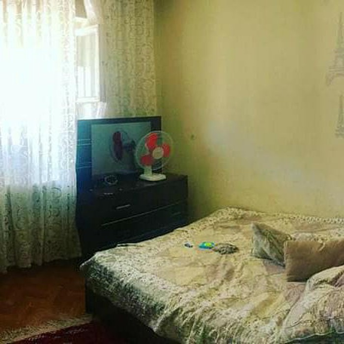Продается квартира: 3 комнаты, кв. м., Бишкек. Photo 3