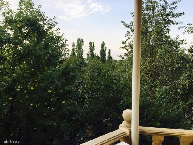 Quba şəhərində Qubanin digah kendinde bag evi satilir. Tam remontludu. 3 otag