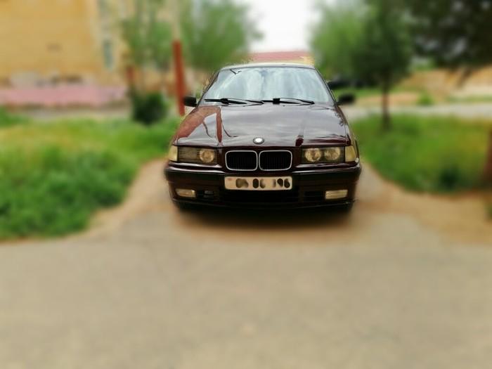 BMW 318 1992. Photo 3