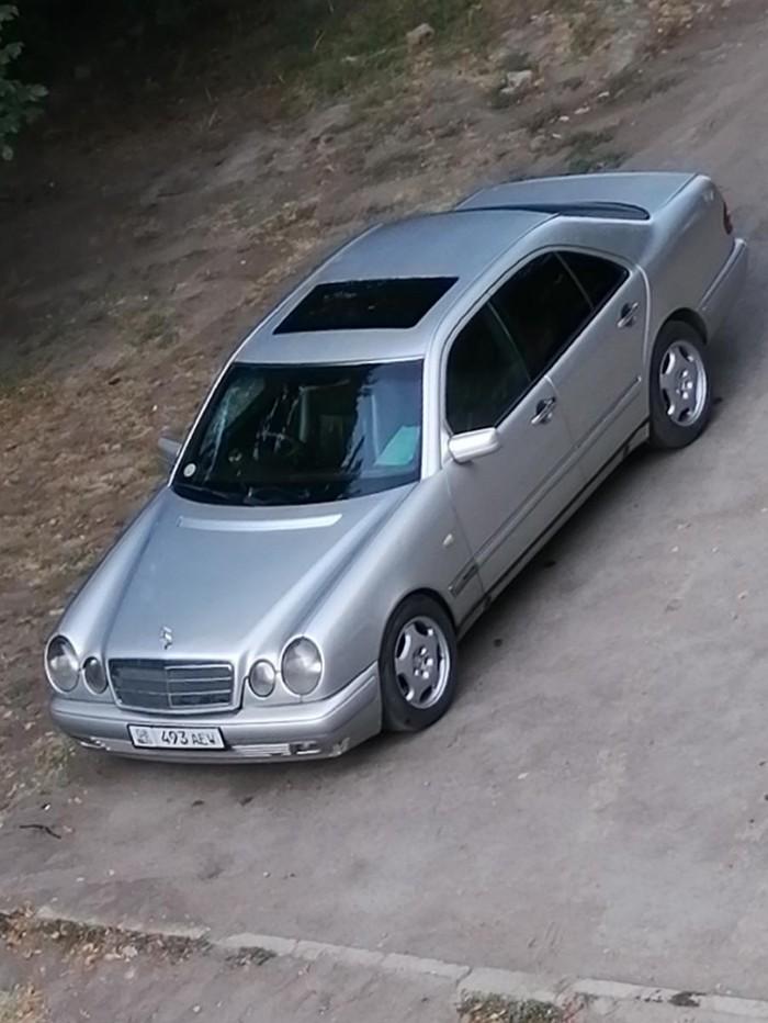 Mercedes-Benz E 320 1997. Photo 0