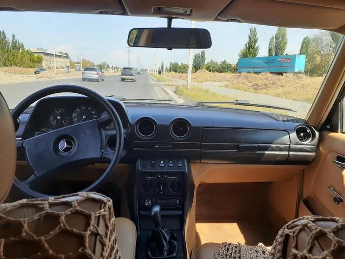 Mercedes-Benz W123 1981. Photo 4