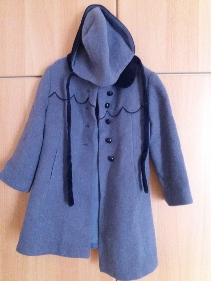 Μάλλινο παλτό για κορίτσι σε άριστη κατάσταση, μέγεθος 4 ετών. Photo 1
