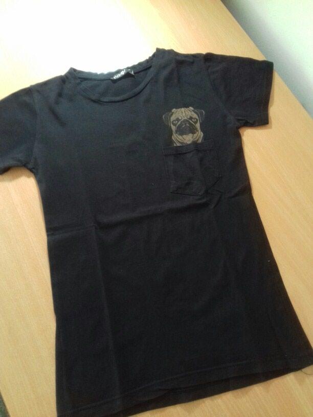 Crna majica turske proizvodnje. Bez ostecenja i fleka . - Subotica