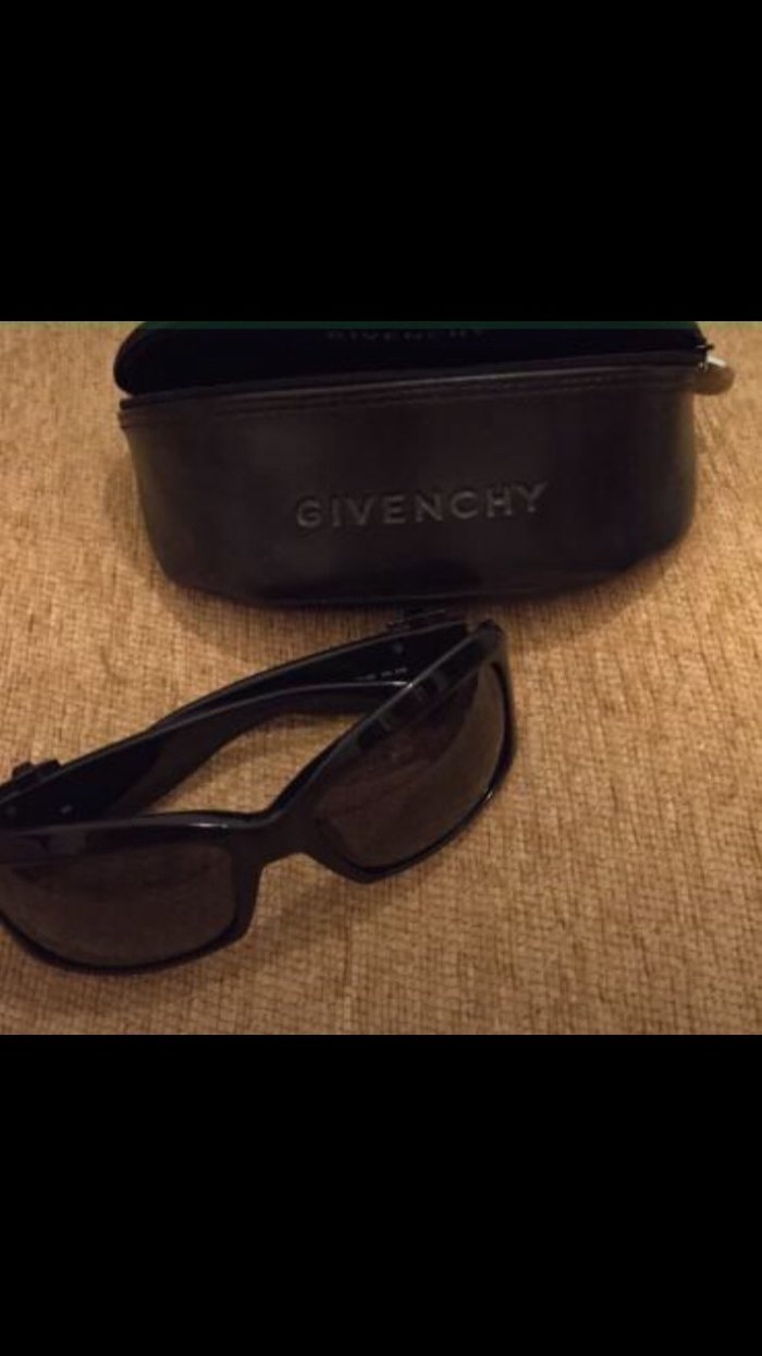 Givency Women's Sunglasses .   . . Photo 0
