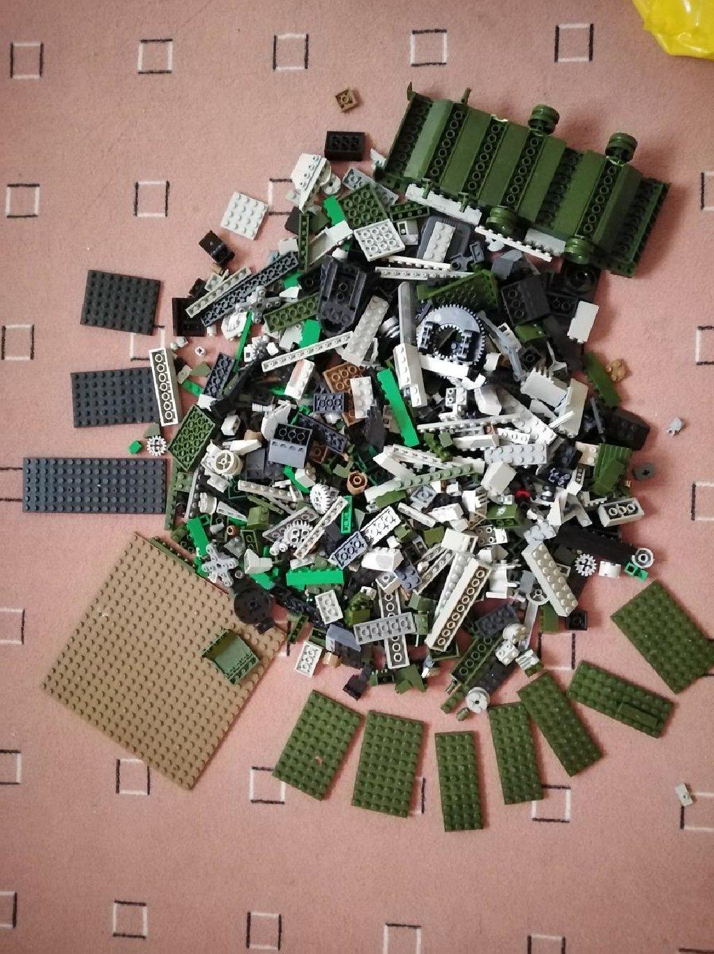 Kockice sluban kompaktibilne lego kockicama