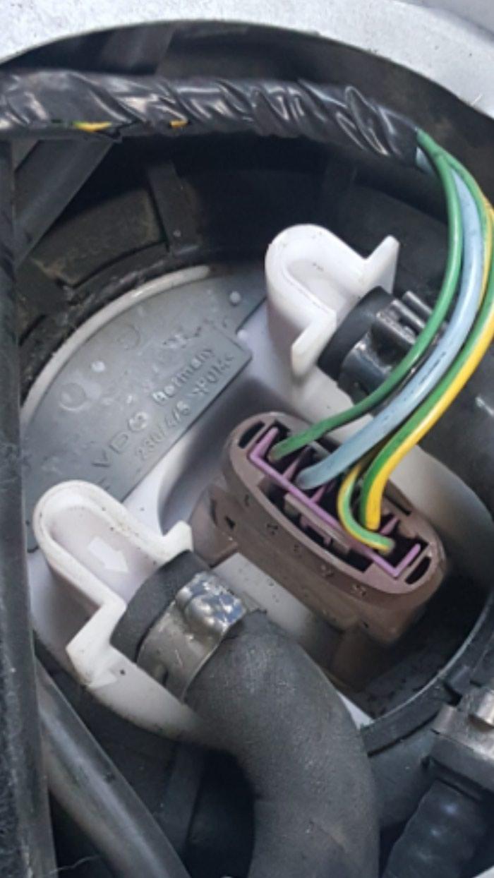 Τρόμπα βενζίνης VDO Citroen saxo , peogeot 106 καινούργια με 2 χρόνια εγγύηση