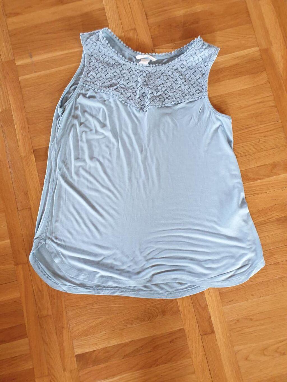 Prelepa majicica HM vel.m jednom obučena u odličnom stanju