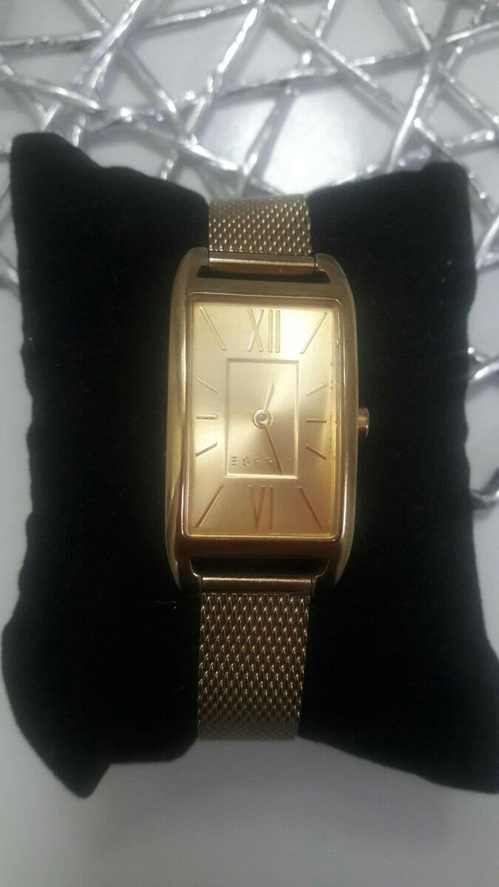 Tašne - Novi Banovci: Prodajem Espritov sat u okk stanju...Malo nosen i skoro kao nov...Cena