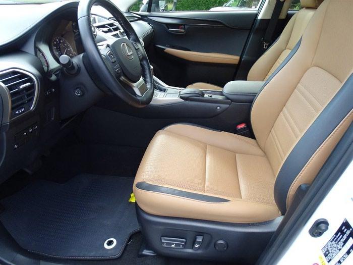 Lexus . Photo 2