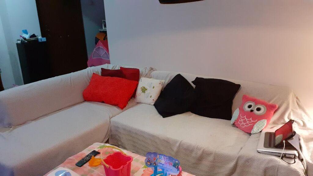 Πωλειται καναπες κρεββατι,με αποθηκευτικο χωρο 2,30 χ 180 με φθαρμενη την δερματινη