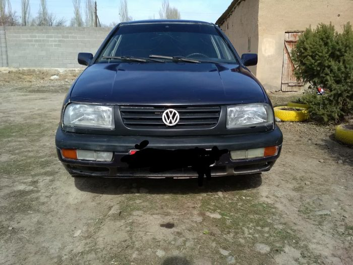 Volkswagen Vento 1993. Photo 0