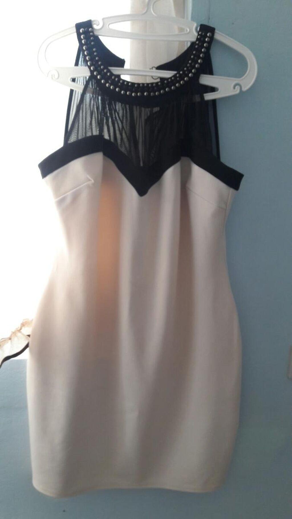 Prodajem haljinu jednom obucena