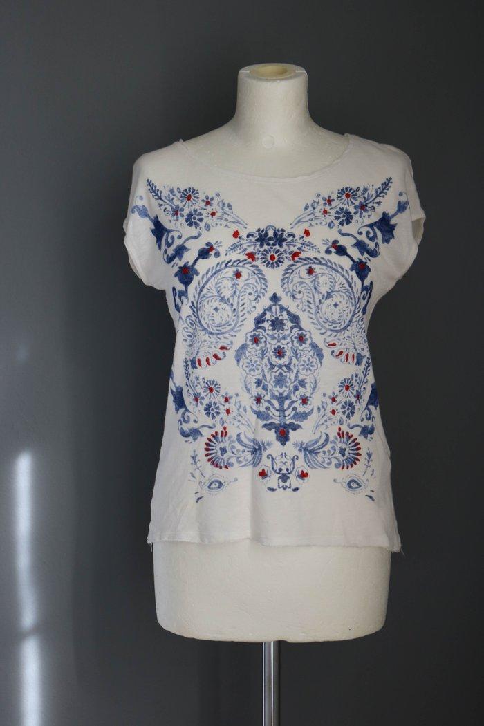 Bershka λευκο με μπλε πριντ t-shirt