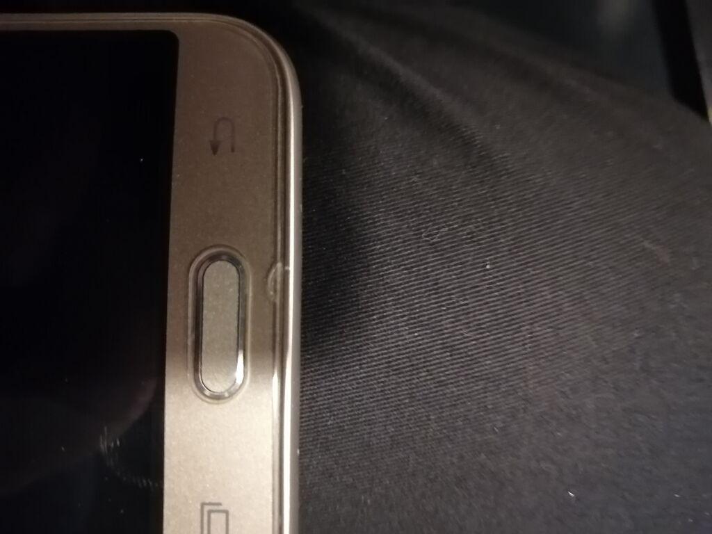 İşlənmiş Samsung Galaxy J3 2017 8 GB qızılı