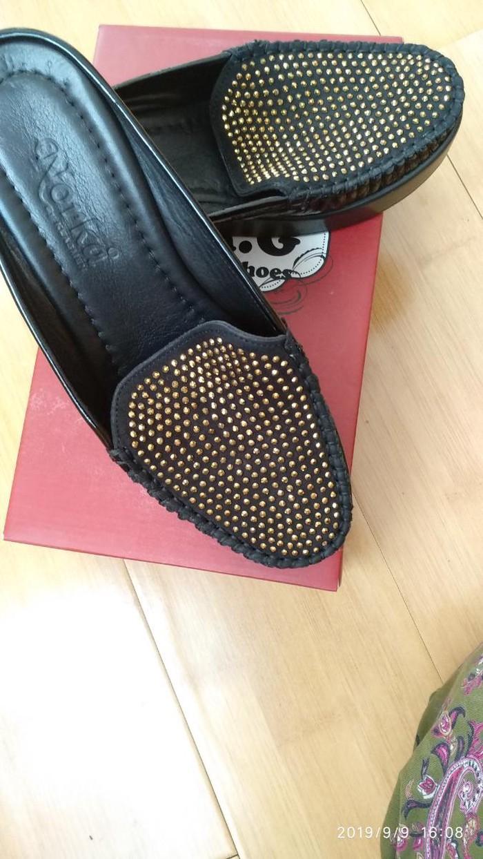 Другая женская обувь. Photo 0