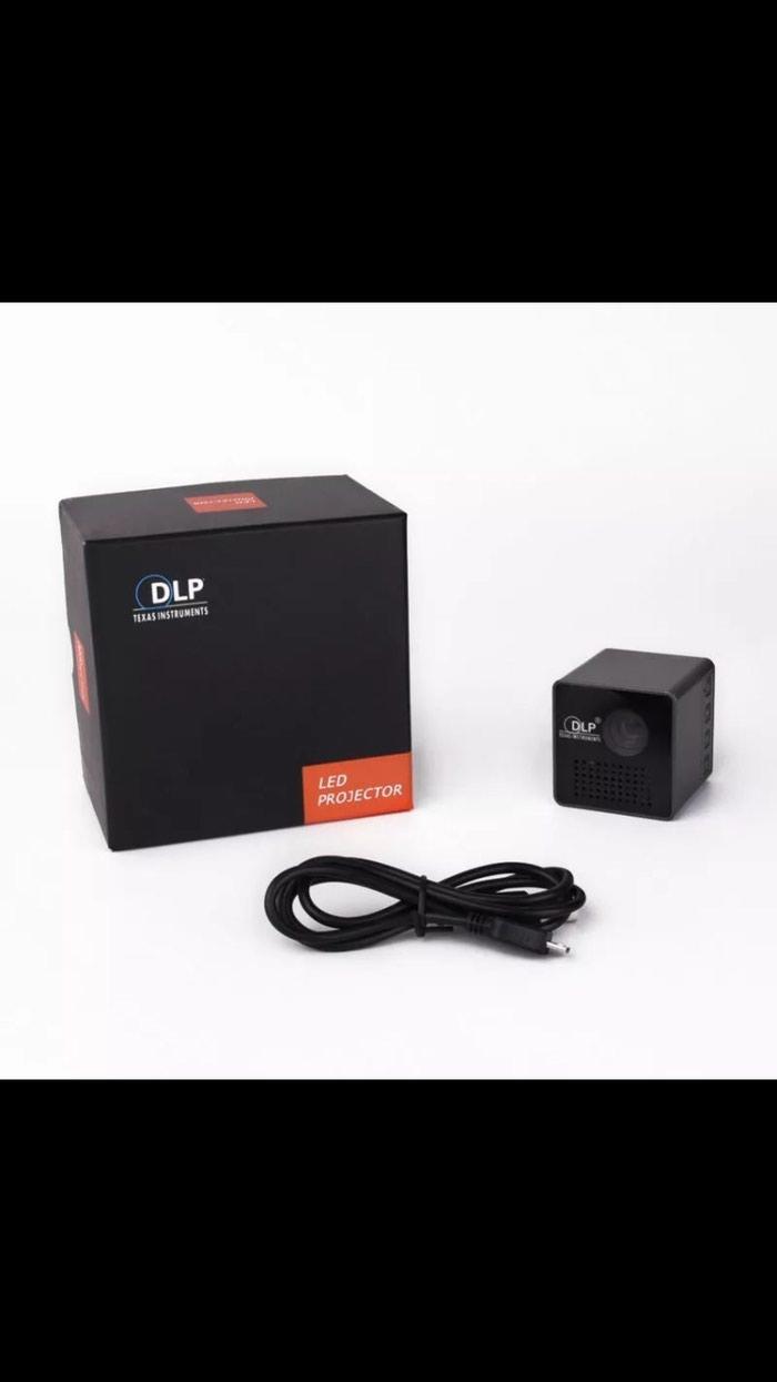 Mini smart proyektor. Photo 4