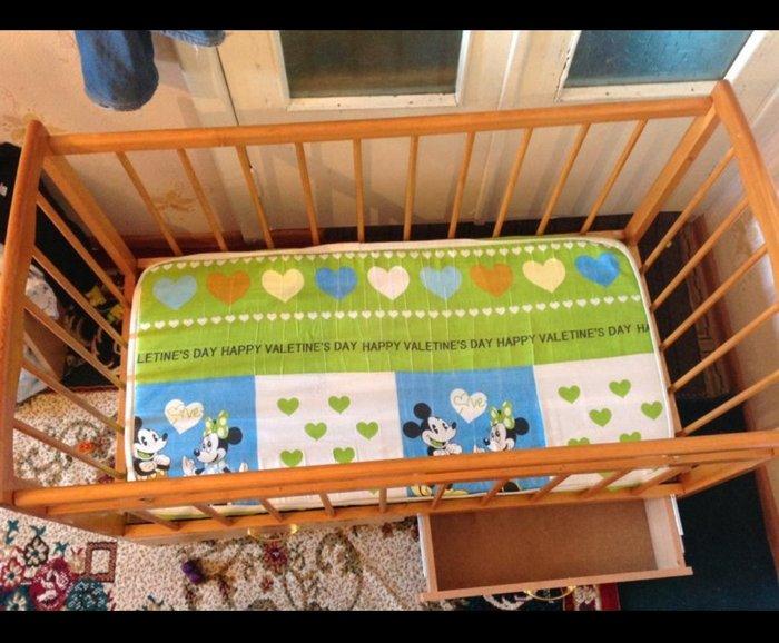 Продаю детский кроватку с матрасом сос иде в Токмак
