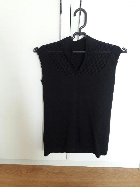 Crna majica velicina S - pamuk i til (jednom nosena)