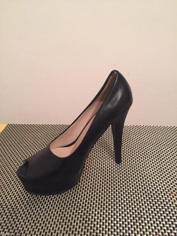 Nove crne cipele, ostao samo broj 37, rasprodaja, u radnji bile 5000 - Beograd