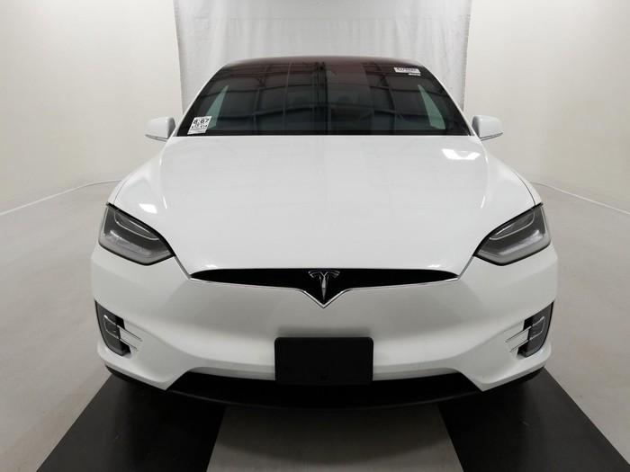 Tesla 2017. Photo 1