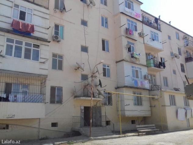 Bakı şəhərində Unvan  mehmmedi kuruqunda   5 mertebeli binanlarda 1 otaqli  evler