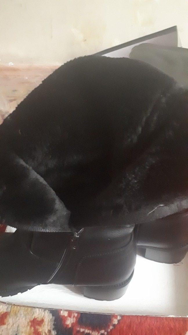 Женские зимние сапоги черного цвета новые 39 размер. Photo 0