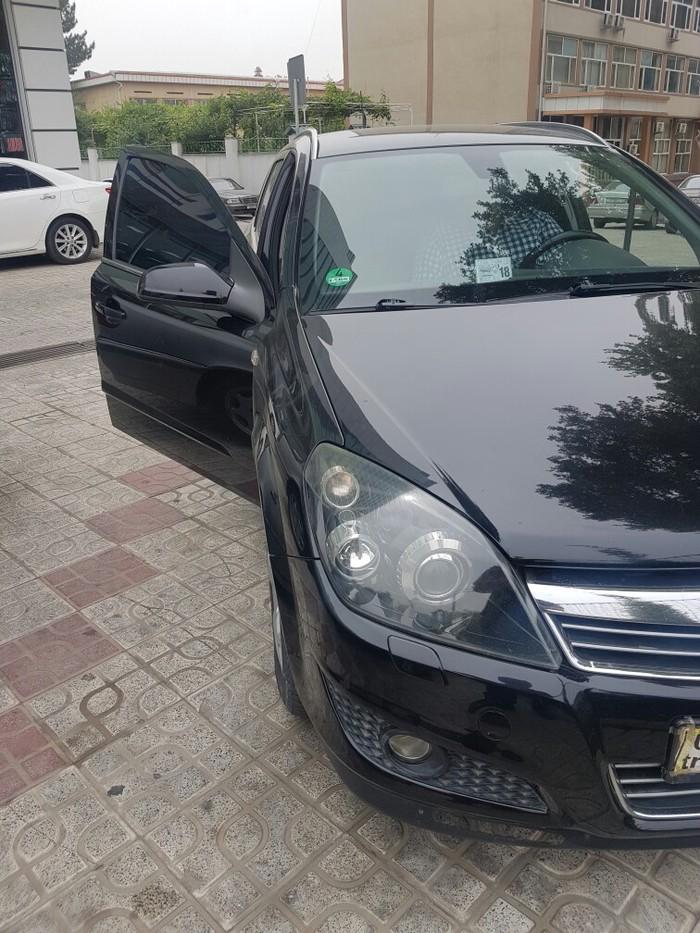 Opel Astra 2008 в Душанбе