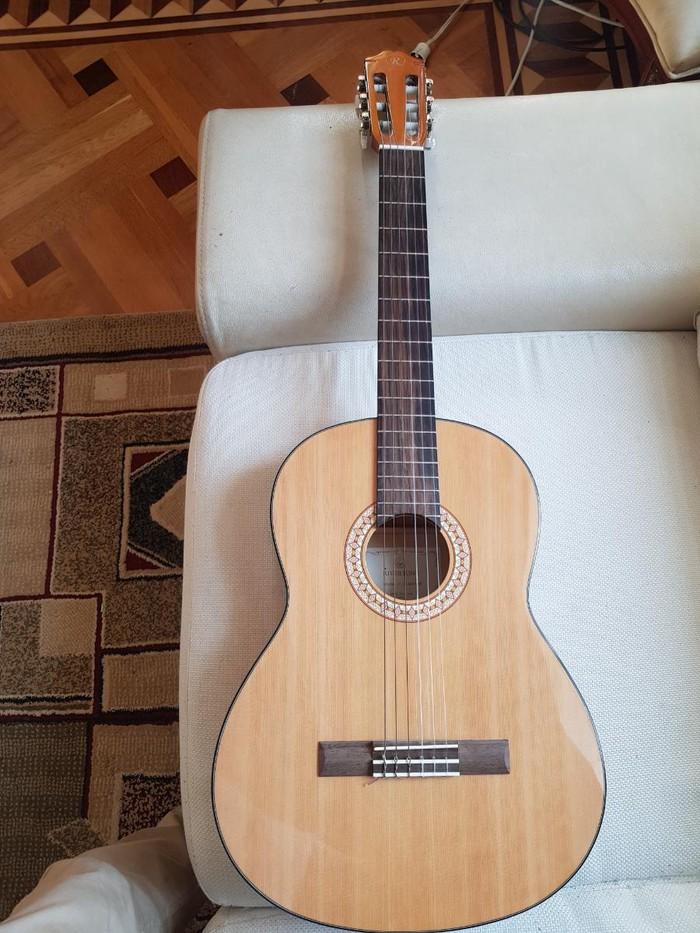 Gitarı 1 aydı 180 man almışam işlədməmişəm  130 a satıram. Photo 2