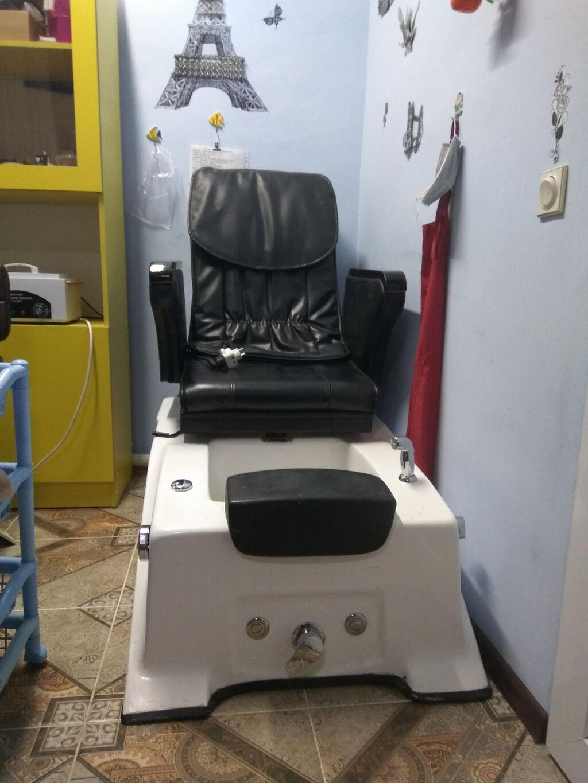 Продаю педикюрное кресло ,в рабочем состоянии с джакузи