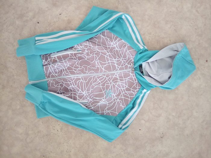 Adidas duks trenerka gornji deo XS/ S veličina tirkizno plava . Photo 2