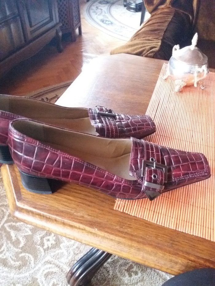 Cipele od extra kože italijanske samo jednom obuvene br.37 - Nis