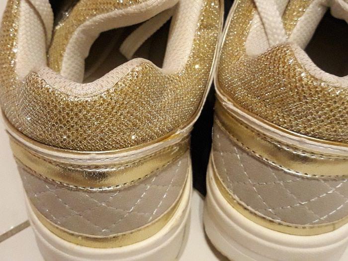 Παπούτσια αθλητικά τύπου Chanel, άριστη κατάσταση, νούμερο 37. Photo 7
