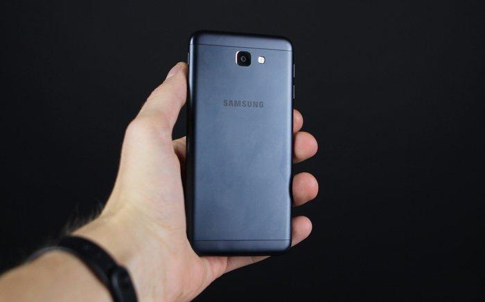 Bakı şəhərində Samsung j5 prime 2016. Yeni almışam. Cızıg,donma,ilişmə heçbir