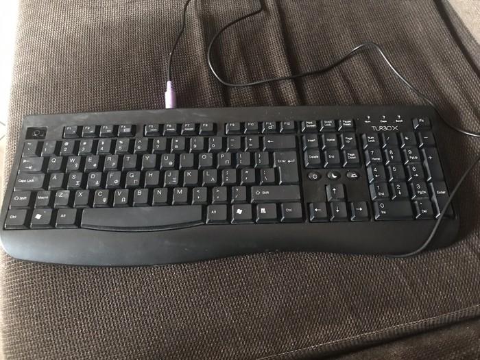 Φωτεινη, μεταχειρισμενο πληκτρολογιο σταθερου υπολογιστη TURBOX σε Σκύδρα
