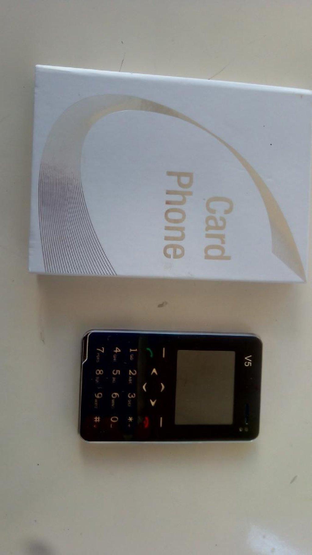 Κινητό τηλεφωνο σε μέγεθος κάρτας